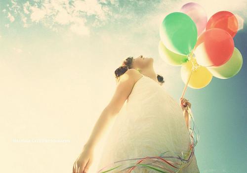 balloonballoonscolourskyhappywoman-ddd1c40771d79320f4912c2de0d193aa_h_large